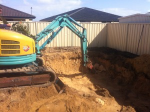 Earthmoving_perth_purcells_digging_swimming_pool